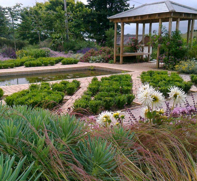 Roger Webster Garden Design 1 768x705